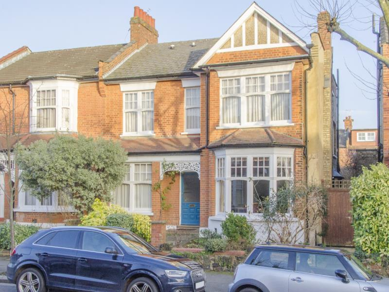 4 Bedrooms End Of Terrace House for sale in Collingwood Avenue, N10