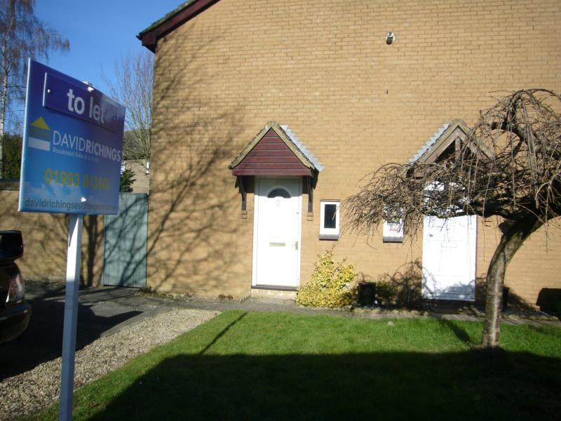 1 Bedroom Terraced House for rent in Glenmore Road, Carterton, Oxon, OX18 1TU