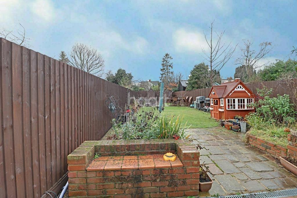 4 Bedrooms Semi Detached House for sale in Constantine Road, Colchester