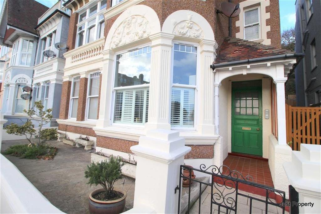 2 Bedrooms Apartment Flat for sale in Grosvenor Crescent, St Leonards On Sea