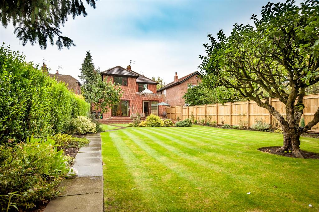 4 Bedrooms Detached House for sale in Carmel Road South, Darlington