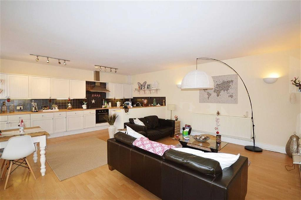 2 Bedrooms Flat for sale in Prince Of Wales Terrace, Scarborough