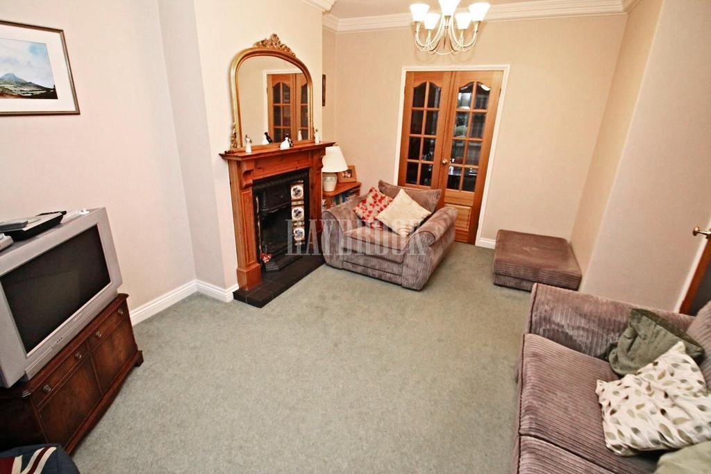 4 Bedrooms Semi Detached House for sale in Osbert Road, Broom