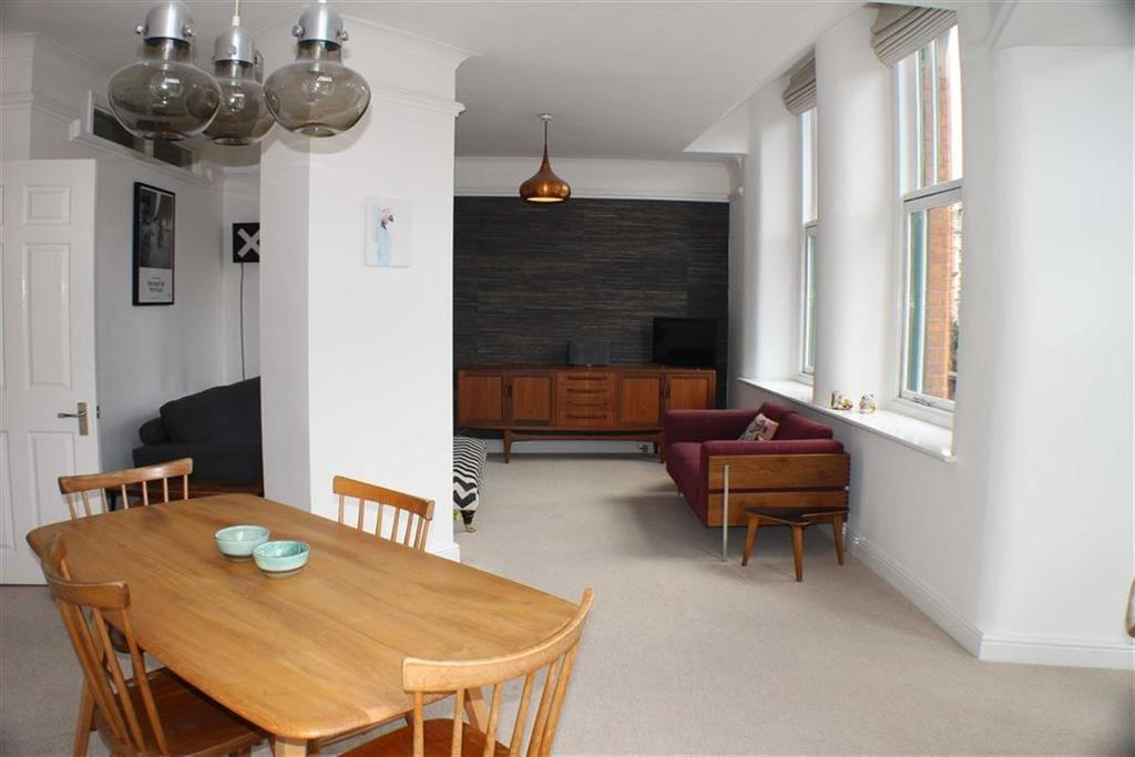 2 Bedrooms Flat for sale in Chepstow House, 16-20 Chepstow Street, Manchester