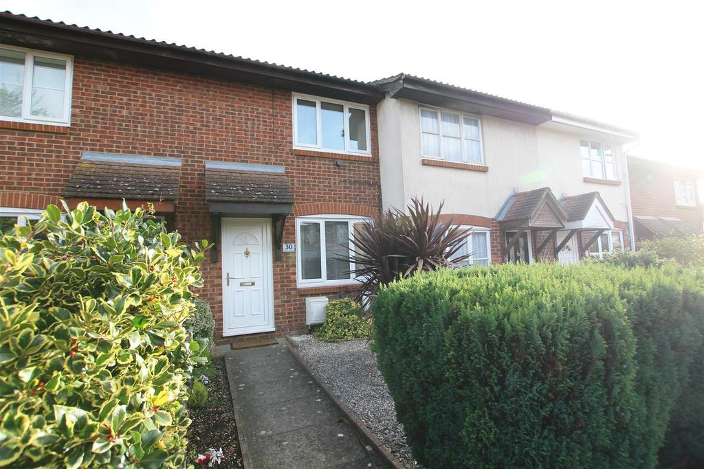2 Bedrooms Terraced House for rent in Walker Gardens, Hedge End, Southampton