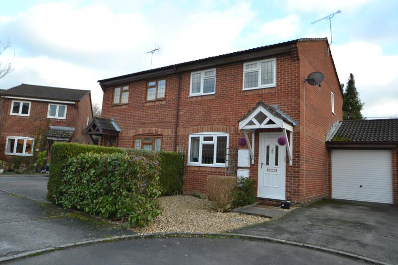3 Bedrooms Semi Detached House for rent in Millstream Close, Andover, SP10 2NB