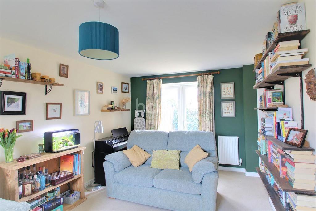 3 Bedrooms Semi Detached House for sale in Collett Road, Norton Fitzwarren, Taunton