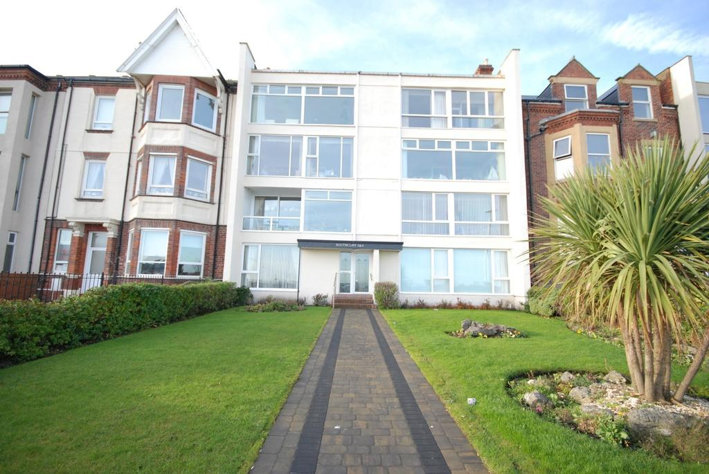 2 Bedrooms Apartment Flat for sale in South Cliff, Roker Terrace, Roker