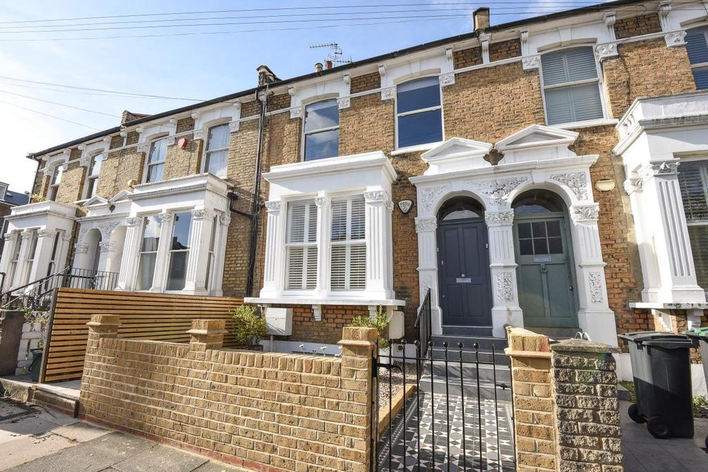 3 Bedrooms Flat for sale in Tancred Road, Harringay
