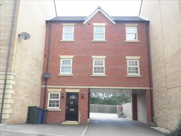 3 Bedrooms Town House for rent in Honeymere Court, Barnsley