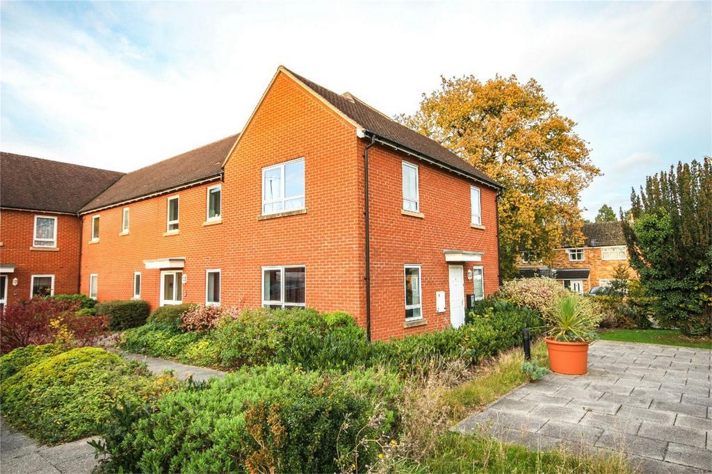 1 Bedroom Flat for sale in Nightingales, Bishop's Stortford, Hertfordshire