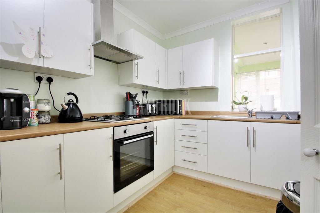 2 Bedrooms Terraced House for sale in Albert Road, Mexborough