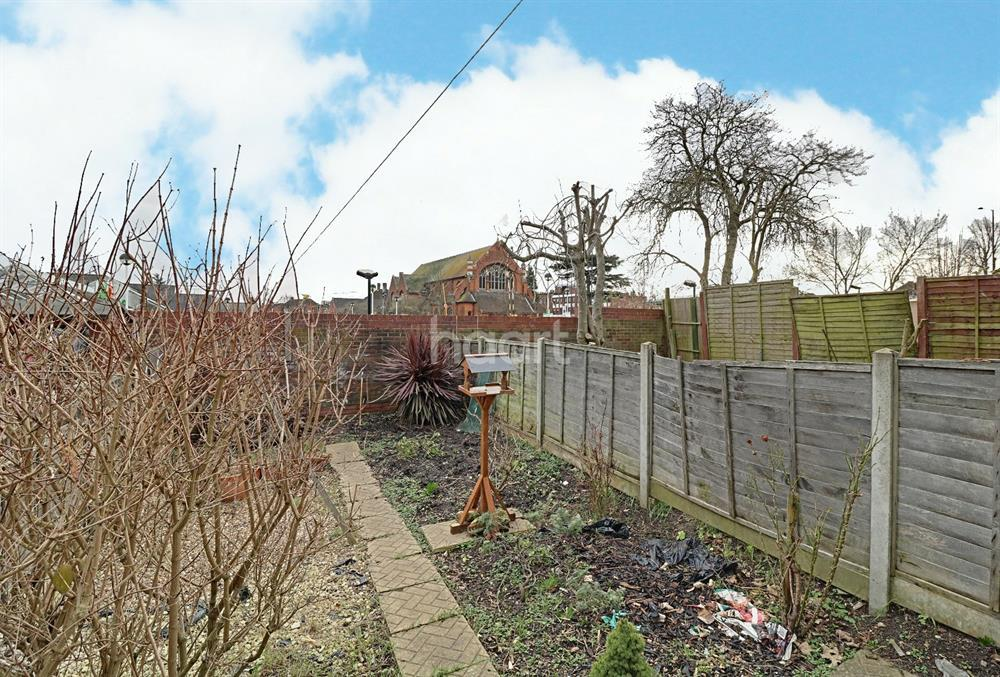 2 Bedrooms Terraced House for sale in Chelmsford Road, Southgate, N14