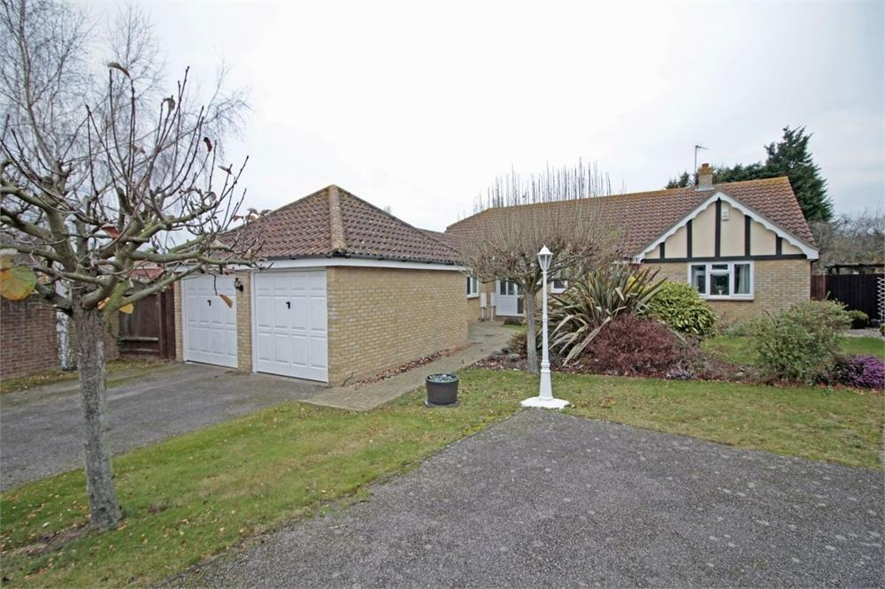4 Bedrooms Detached Bungalow for sale in Millfields, Tiptree, Essex