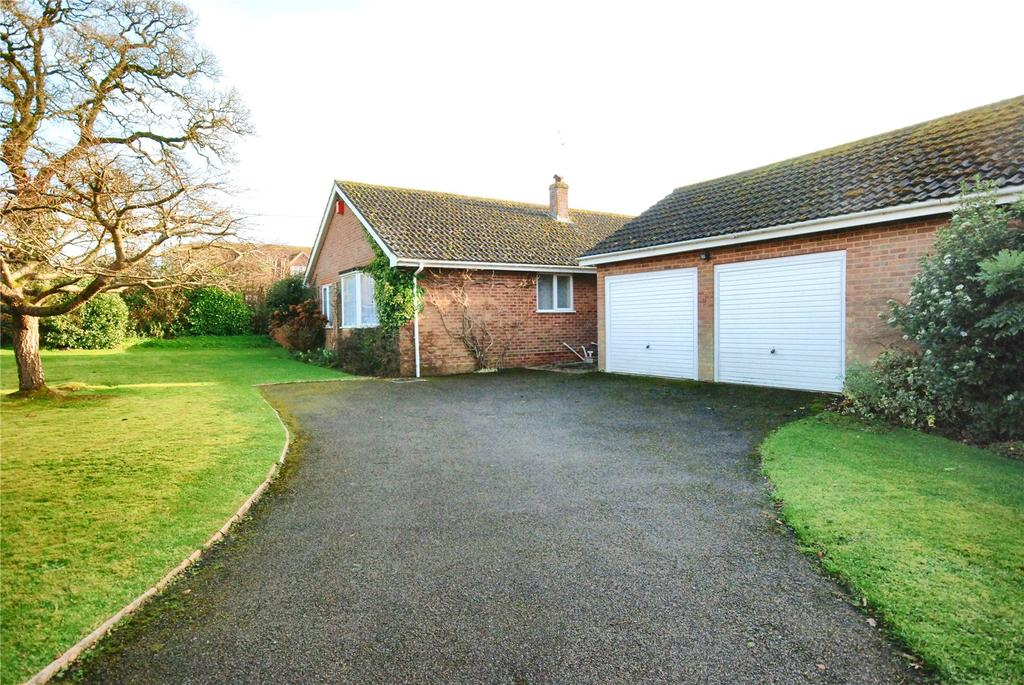 3 Bedrooms Detached House for sale in Little Woodfalls Drive, Woodfalls, Salisbury, Wiltshire, SP5
