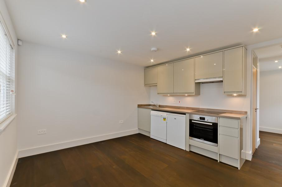 1 Bedroom Flat for sale in Colne Road, Twickenham, TW2