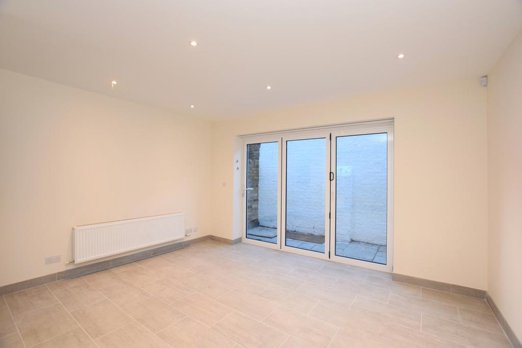 2 Bedrooms Flat for sale in Oakley Place Southwark SE1