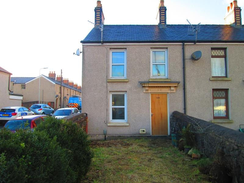 3 Bedrooms End Of Terrace House for sale in Neath Road, Swansea, City And County of Swansea.