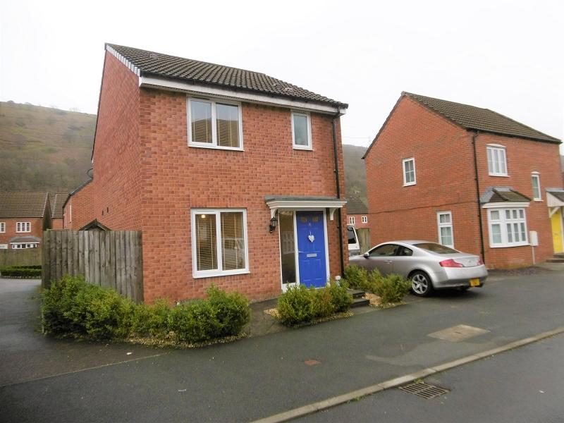 3 Bedrooms Detached House for sale in Ffordd Y Glowyr , Godrergraig, Swansea, City And County of Swansea.