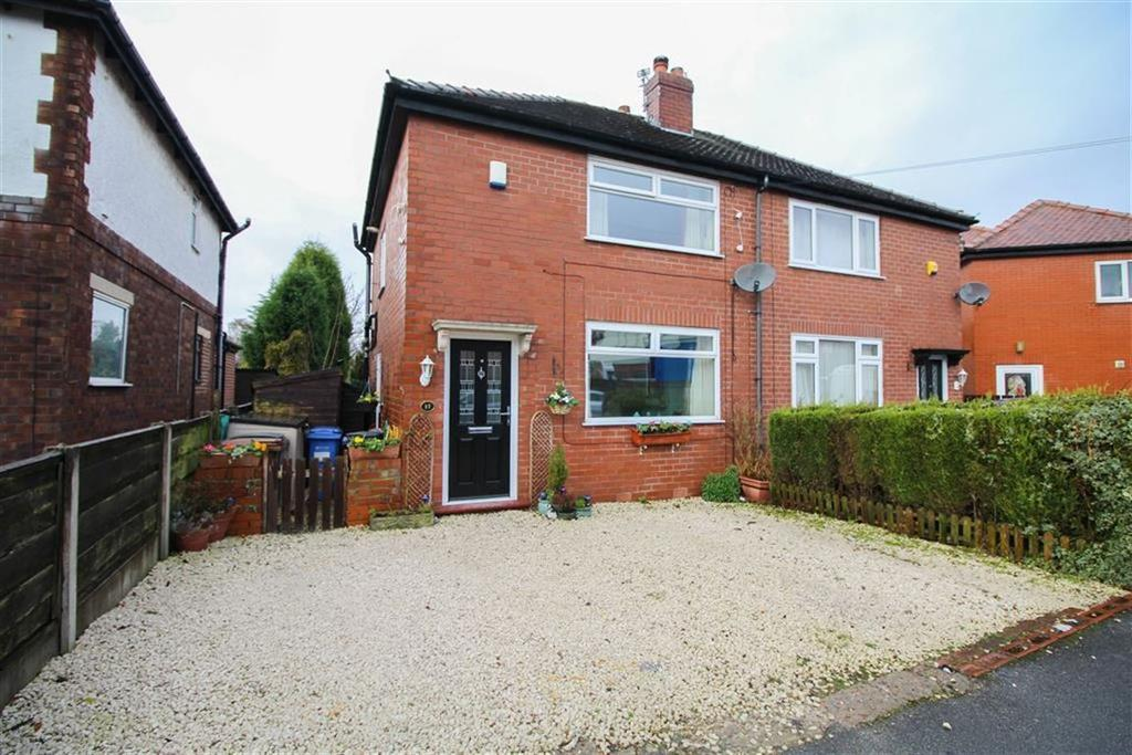 2 Bedrooms Semi Detached House for sale in Naseby Road, Reddish, Stockport