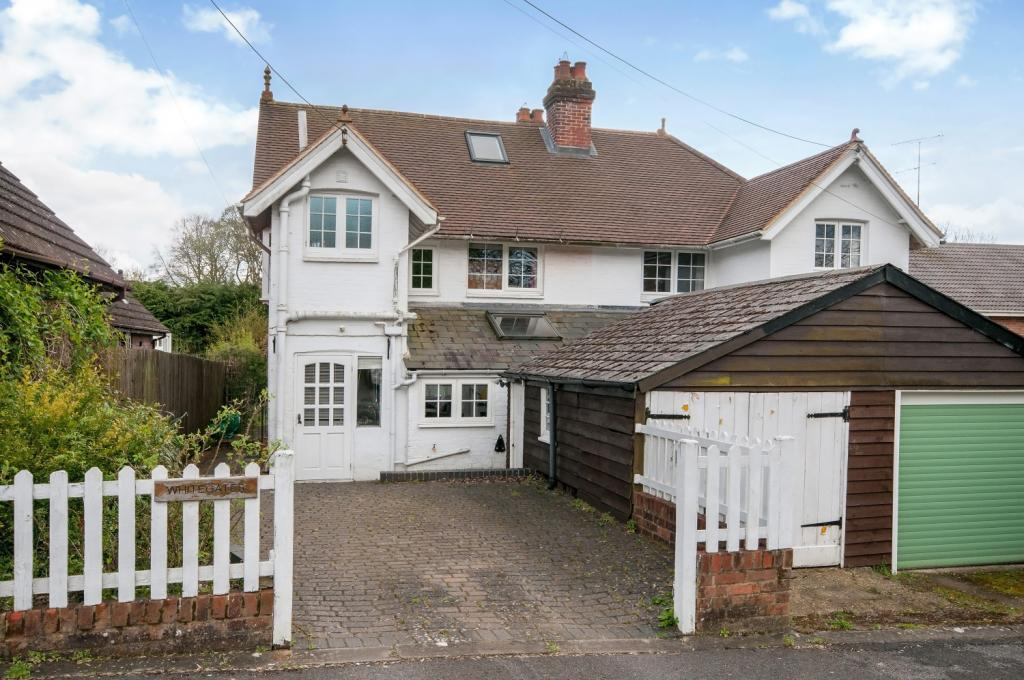 3 Bedrooms Semi Detached House for rent in Waterworks Road, Otterbourne, Winchester, Hampshire, SO21