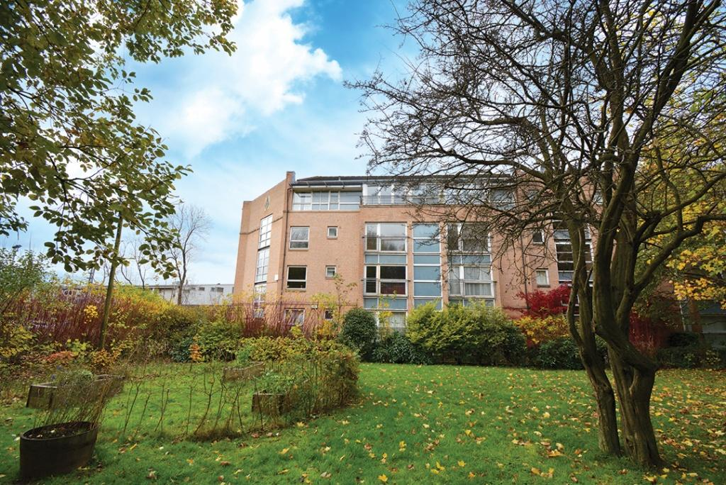 2 Bedrooms Flat for sale in 7 Dyce Lane, Partickhill, G11 5LS