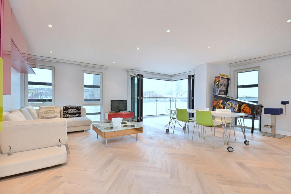 3 Bedrooms Flat for rent in Sir John Lyon House, High Timber Street, City, London, EC4V