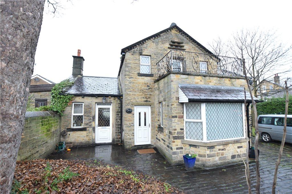 3 Bedrooms Detached House for rent in The Old Coachhouse, Sunfield Place, Stanningley, Pudsey, West Yorkshire