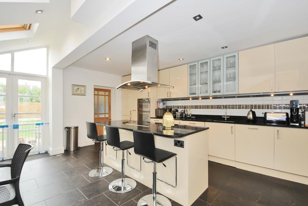 4 Bedrooms House for rent in Chestnut Grove Balham SW12