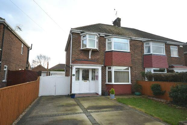 3 Bedrooms Semi Detached House for sale in Westward Ho, Grimsby
