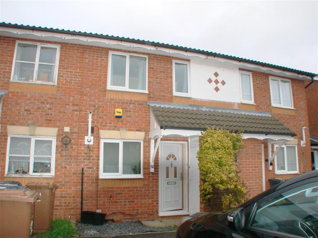 2 Bedrooms Terraced House for rent in Sale Drive, Baldock, Herts, SG7 6NS