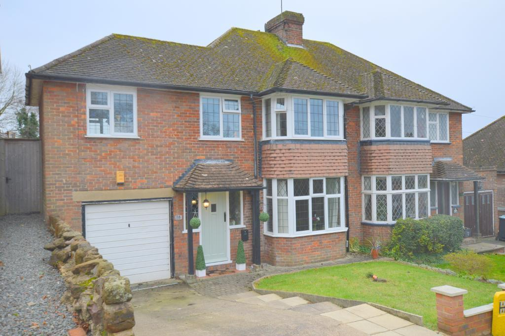 3 Bedrooms Semi Detached House for sale in Knoll Rise, Luton, LU2 7JA