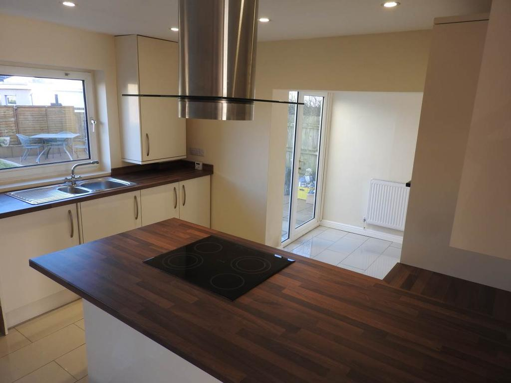 3 Bedrooms House for rent in Hafan-Y-Don, Killay, Swansea