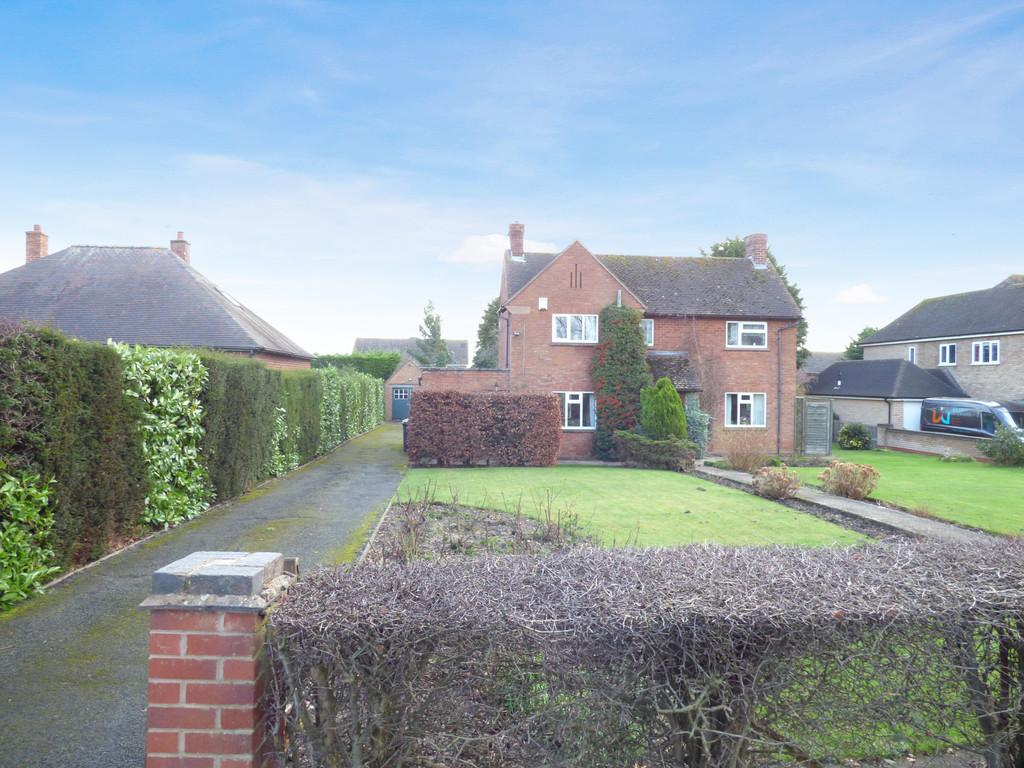 3 Bedrooms Detached House for sale in Bishopton Lane, Stratford-Upon-Avon