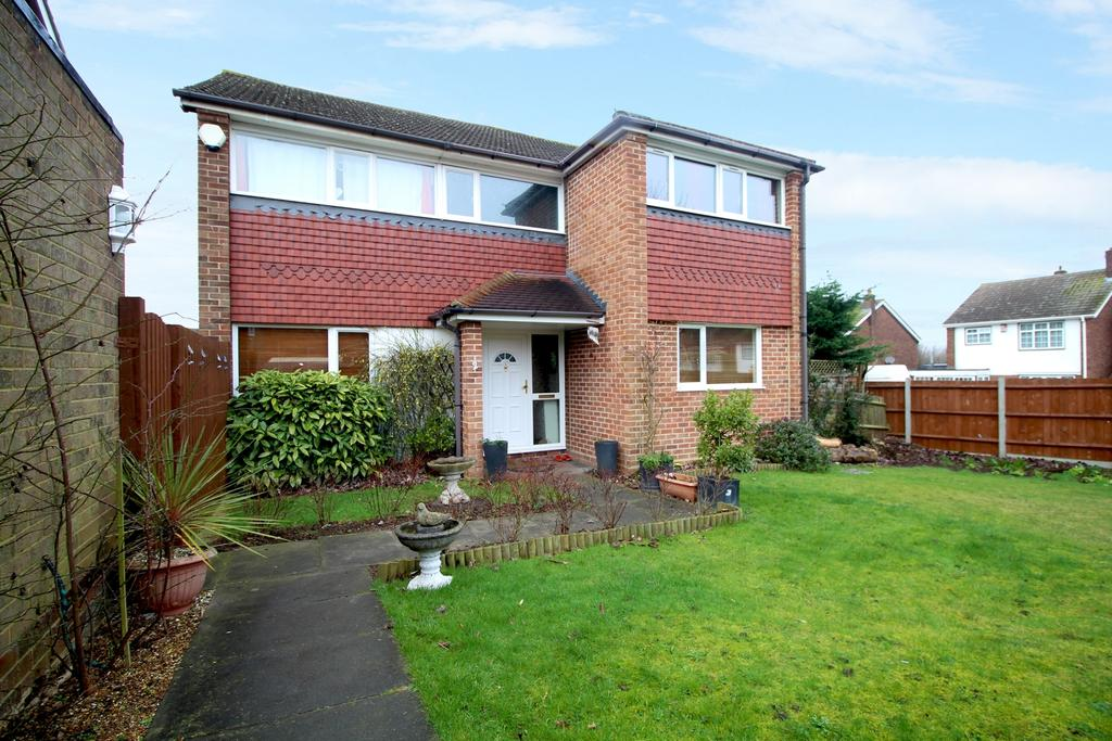 4 Bedrooms Detached House for sale in Foxwood Road Bean DA2