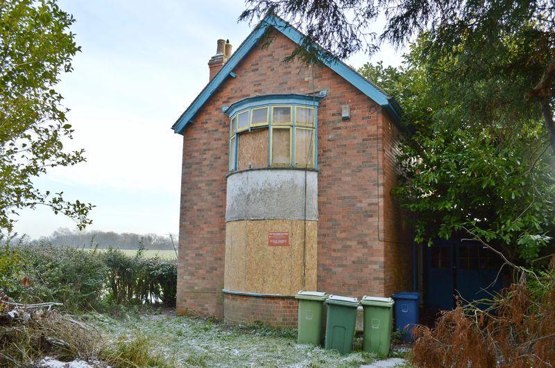 3 Bedrooms Detached House for sale in Wragby Road, Sudbrooke