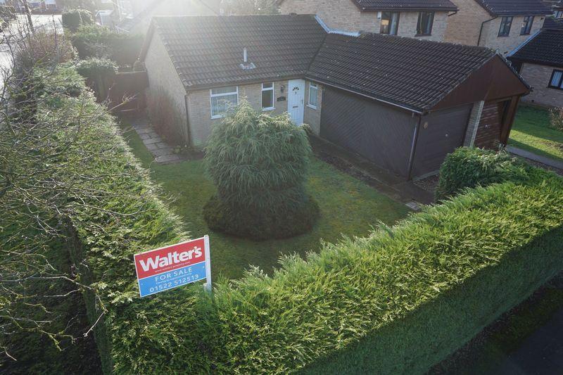 2 Bedrooms Semi Detached Bungalow for sale in Maple Close, Waddington