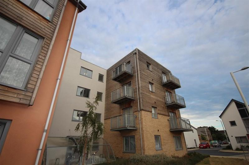 1 Bedroom Apartment Flat for sale in Silver Train Gardens, Dartford, DA1