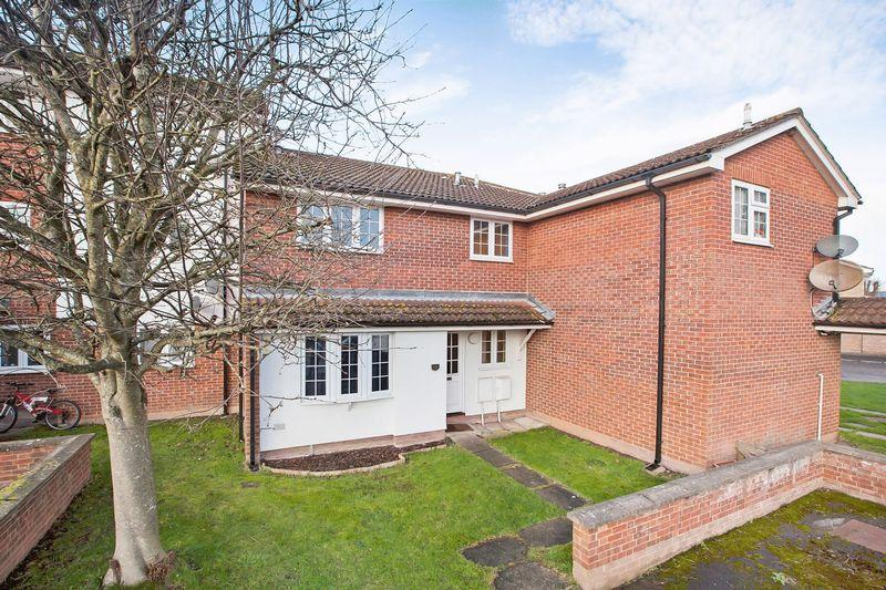 2 Bedrooms Terraced House for sale in Grebe Court, Bridgwater
