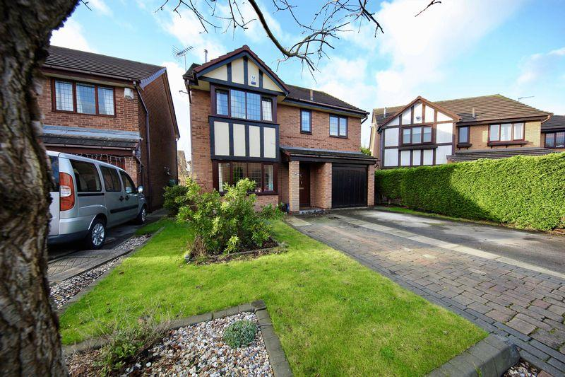 4 Bedrooms Detached House for sale in Peterstone Close, Callands, Warrington