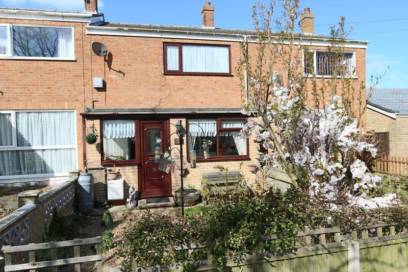 2 Bedrooms Terraced House for sale in Lloyds Avenue, Lowestoft