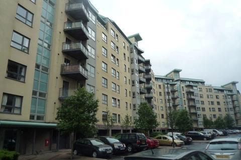 3 bedroom flat to rent - Portland Gardens, Leith, Edinburgh, EH6 6NJ