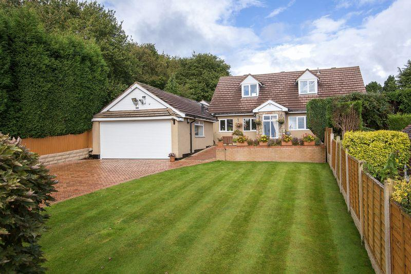 3 Bedrooms Detached Bungalow for sale in 145 Castle Hill Road,