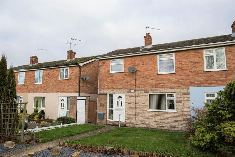 3 Bedrooms Semi Detached House for sale in Fallowfield Walk, Bury St. Edmunds