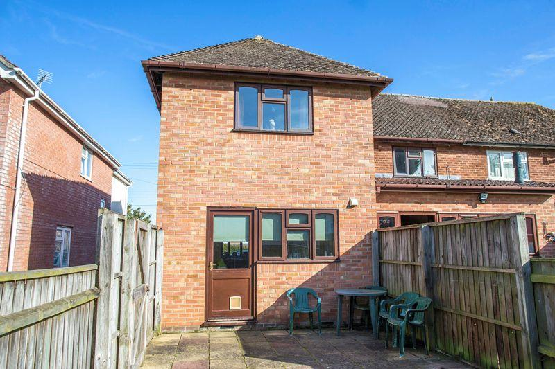 2 Bedrooms Terraced House for sale in New Road, Chevington