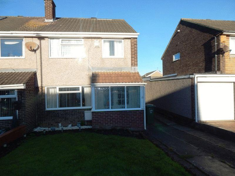 3 Bedrooms Semi Detached House for sale in Albatross Way, South Beach, Blyth