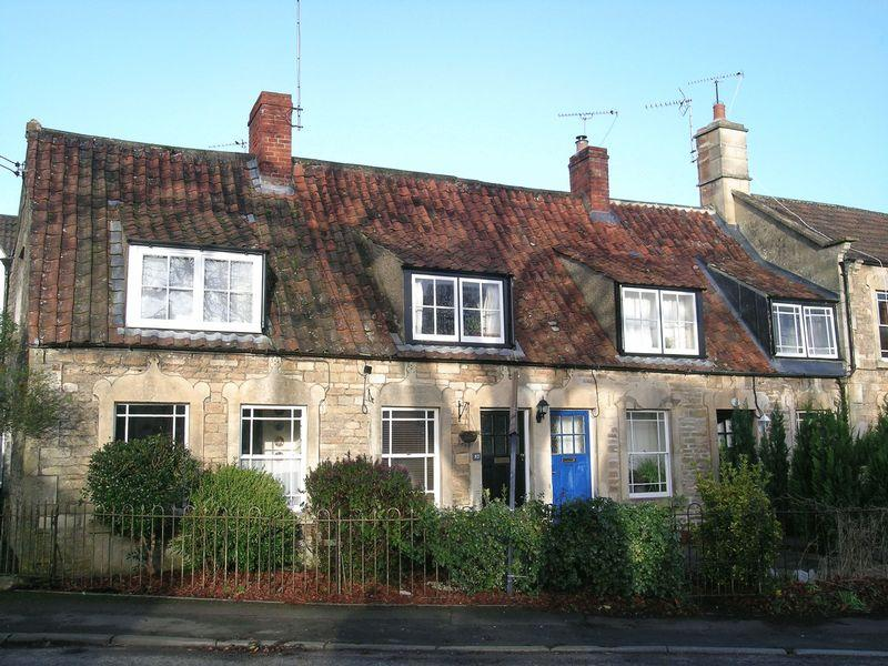 2 Bedrooms Cottage House for sale in Holt
