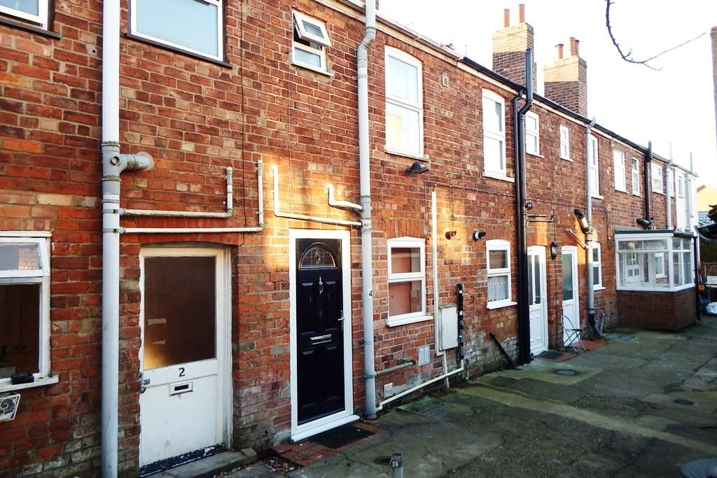 2 Bedrooms Terraced House for sale in The Tenters, Holbeach, PE12