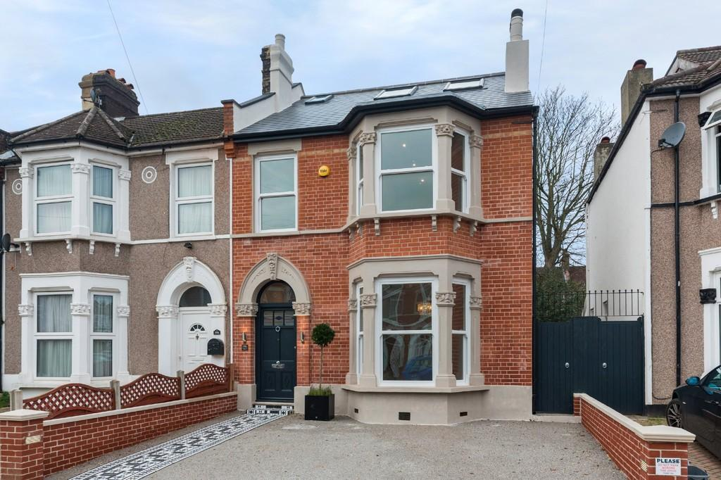 4 Bedrooms Semi Detached House for sale in Ardgowan Road SE6