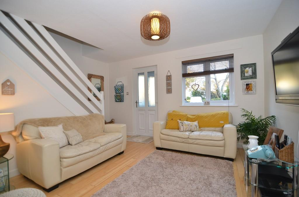 2 Bedrooms Terraced House for sale in Tytherley Green, Bournemouth